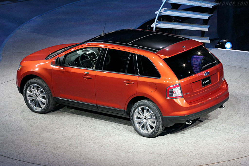 Ford Edge    - 2006 North American International Auto Show (NAIAS)
