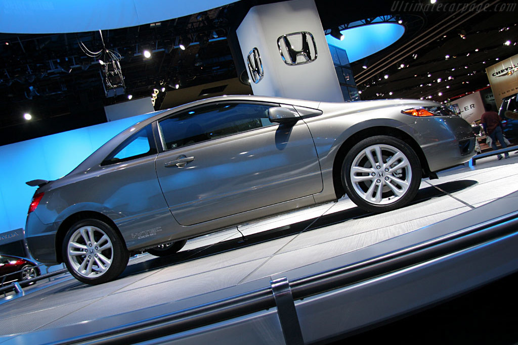 Honda Civic    - 2006 North American International Auto Show (NAIAS)