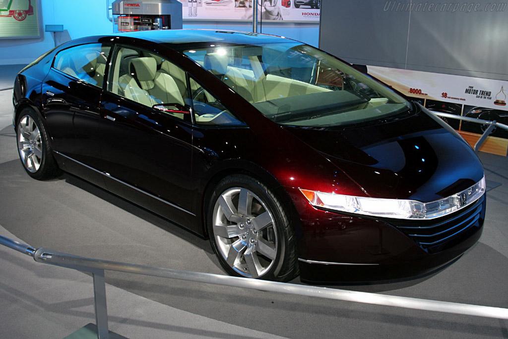 Honda FCX Concept    - 2006 North American International Auto Show (NAIAS)