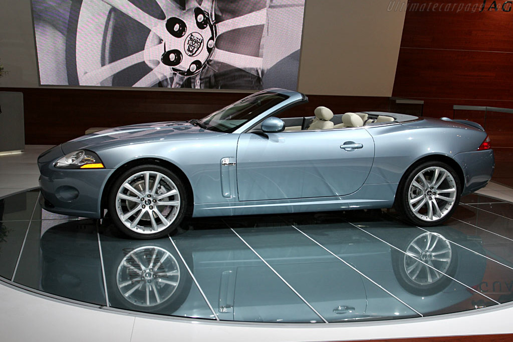 Jaguar XK Convertible    - 2006 North American International Auto Show (NAIAS)
