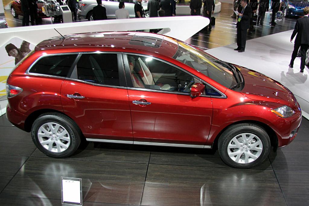 Mazda CX-7    - 2006 North American International Auto Show (NAIAS)
