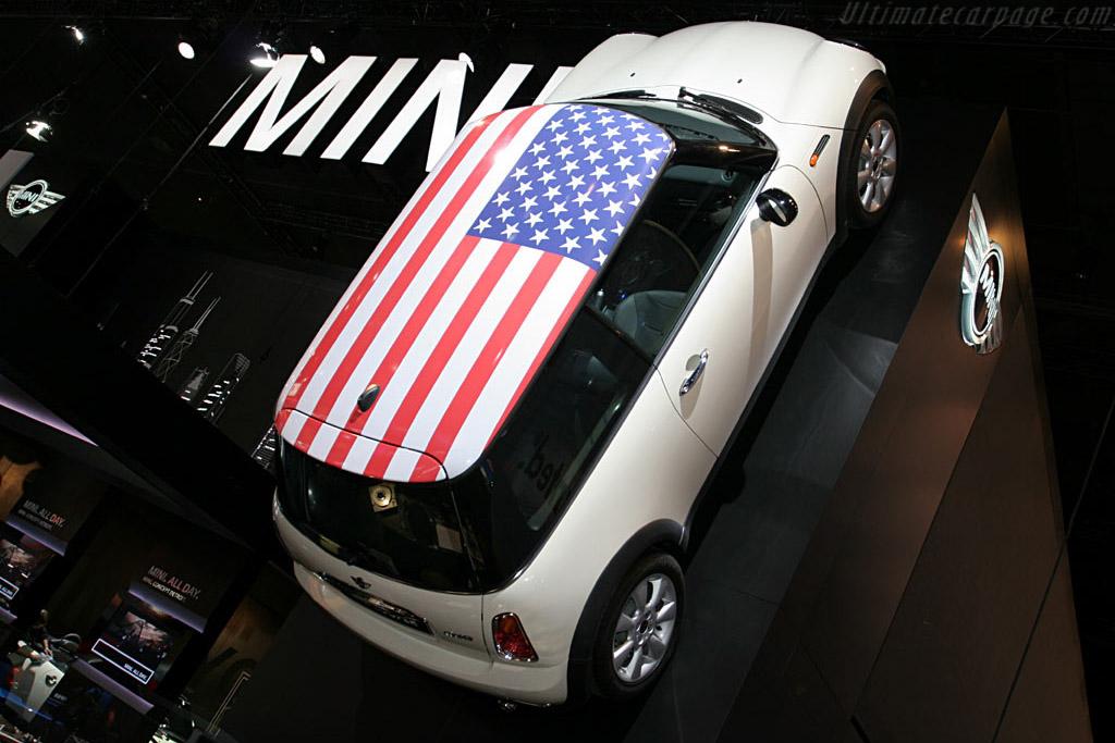 Mini    - 2006 North American International Auto Show (NAIAS)