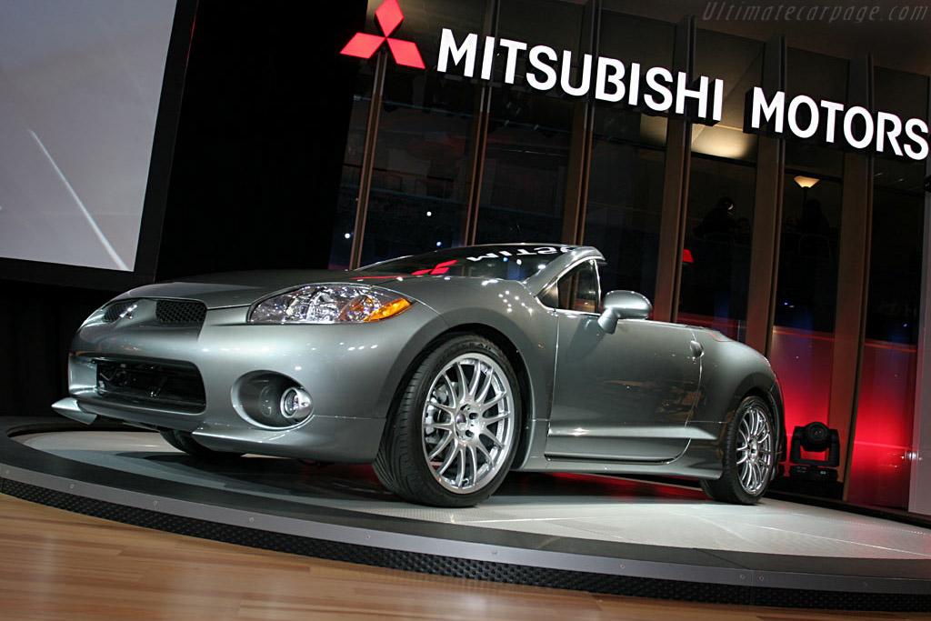 Mitsubishi Eclipse Spyder    - 2006 North American International Auto Show (NAIAS)