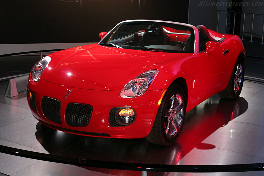 Pontiac Solstice GXP    - 2006 North American International Auto Show (NAIAS)