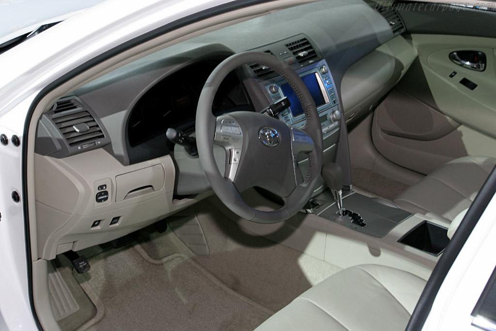 Toyota Camry    - 2006 North American International Auto Show (NAIAS)