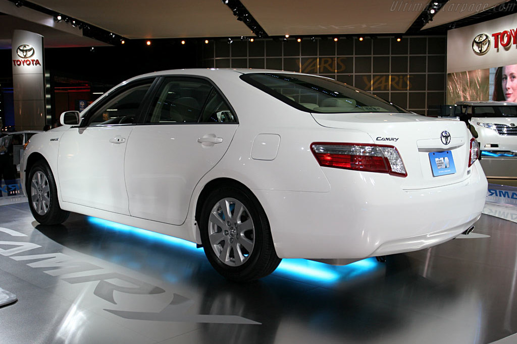 Toyota Camry    - 2006 North American International Auto Show (NAIAS)