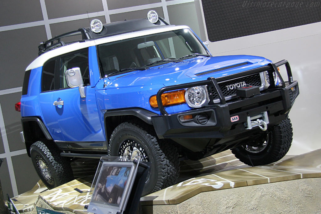 Toyota FJ Cruiser    - 2006 North American International Auto Show (NAIAS)