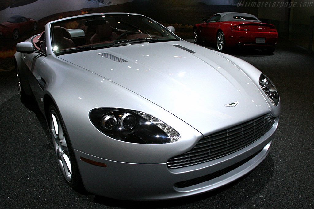Aston Martin V8 Vantage Roadster    - 2007 North American International Auto Show (NAIAS)