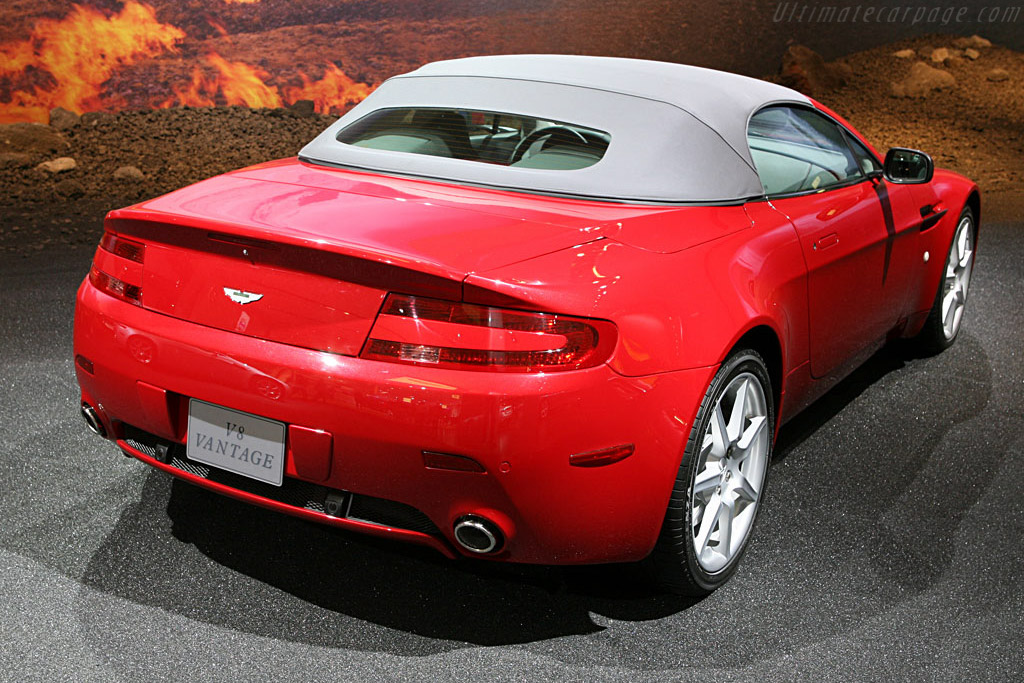 Aston Martin V8 Vantage Roadster    - 2007 North American International Auto Show (NAIAS)