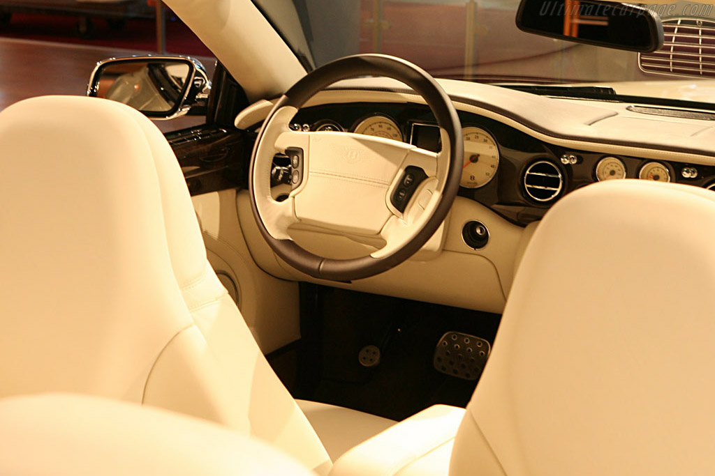 Bentley Azure    - 2007 North American International Auto Show (NAIAS)
