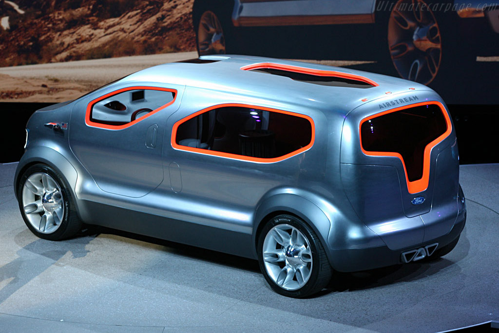 Ford Airstream Concept    - 2007 North American International Auto Show (NAIAS)