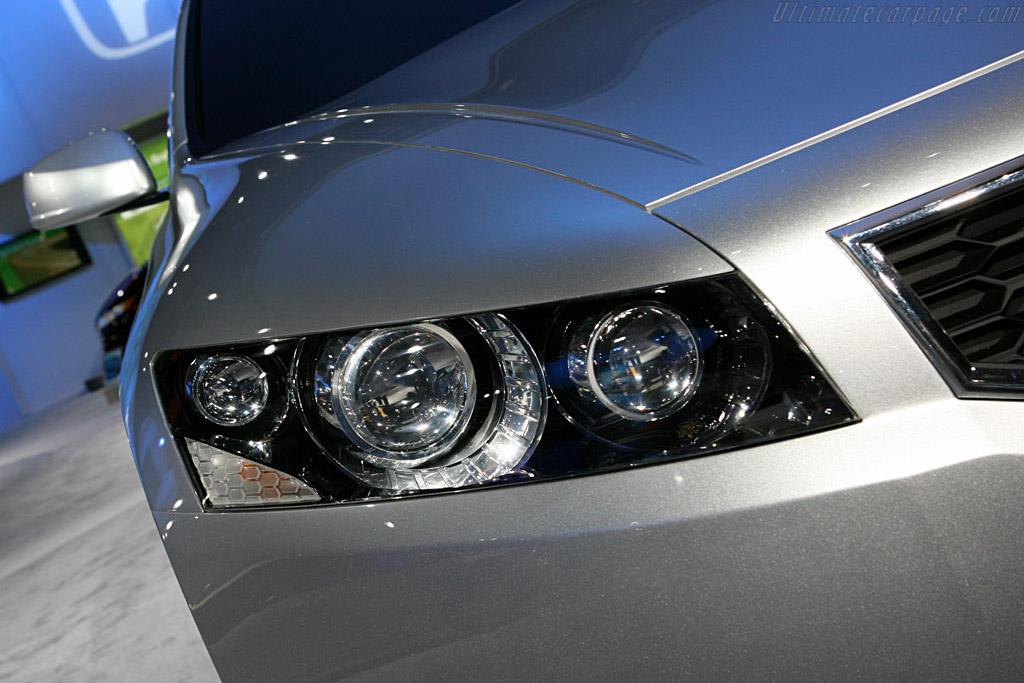 Honda Accord Coupe Concept    - 2007 North American International Auto Show (NAIAS)