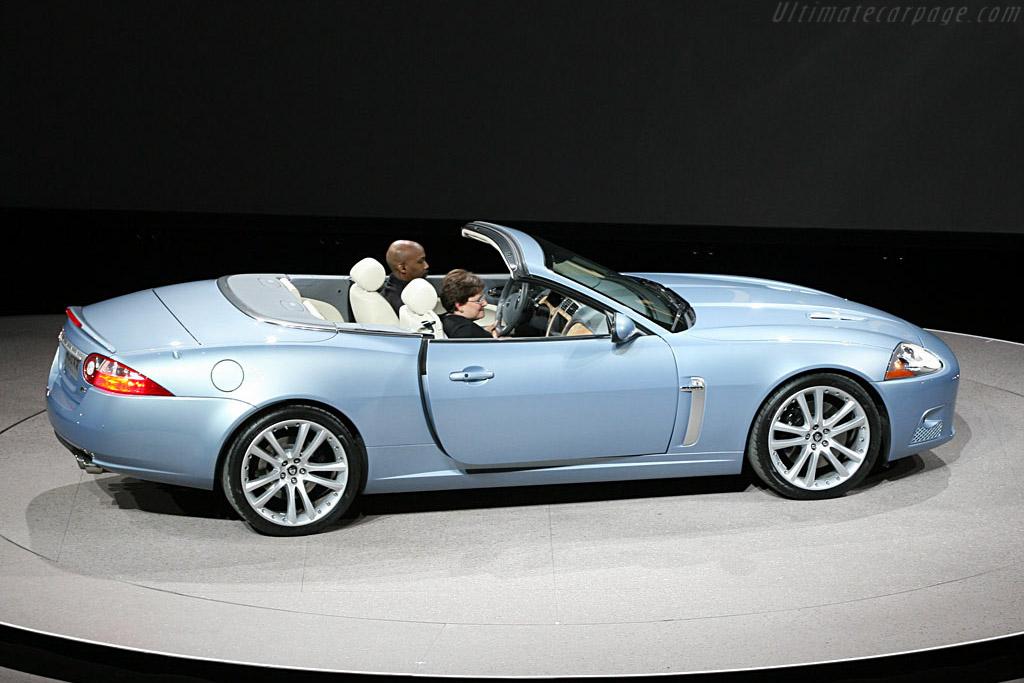 Jaguar XKR    - 2007 North American International Auto Show (NAIAS)