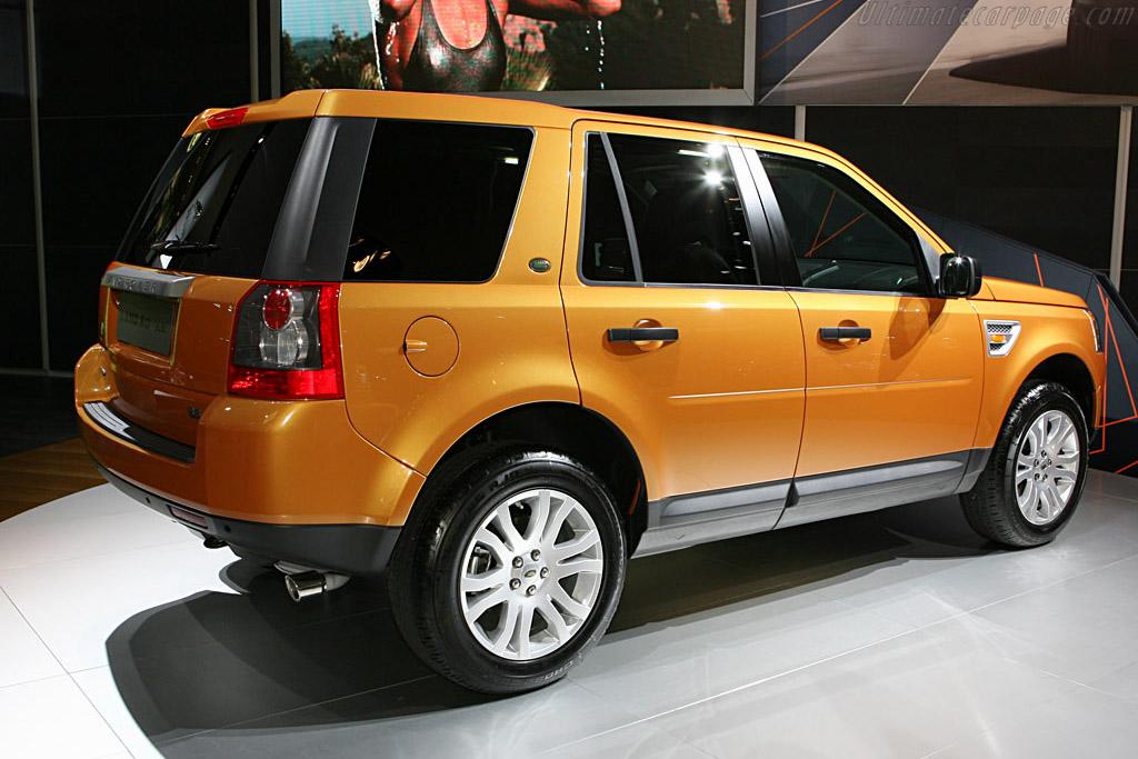 Land Rover LR2    - 2007 North American International Auto Show (NAIAS)