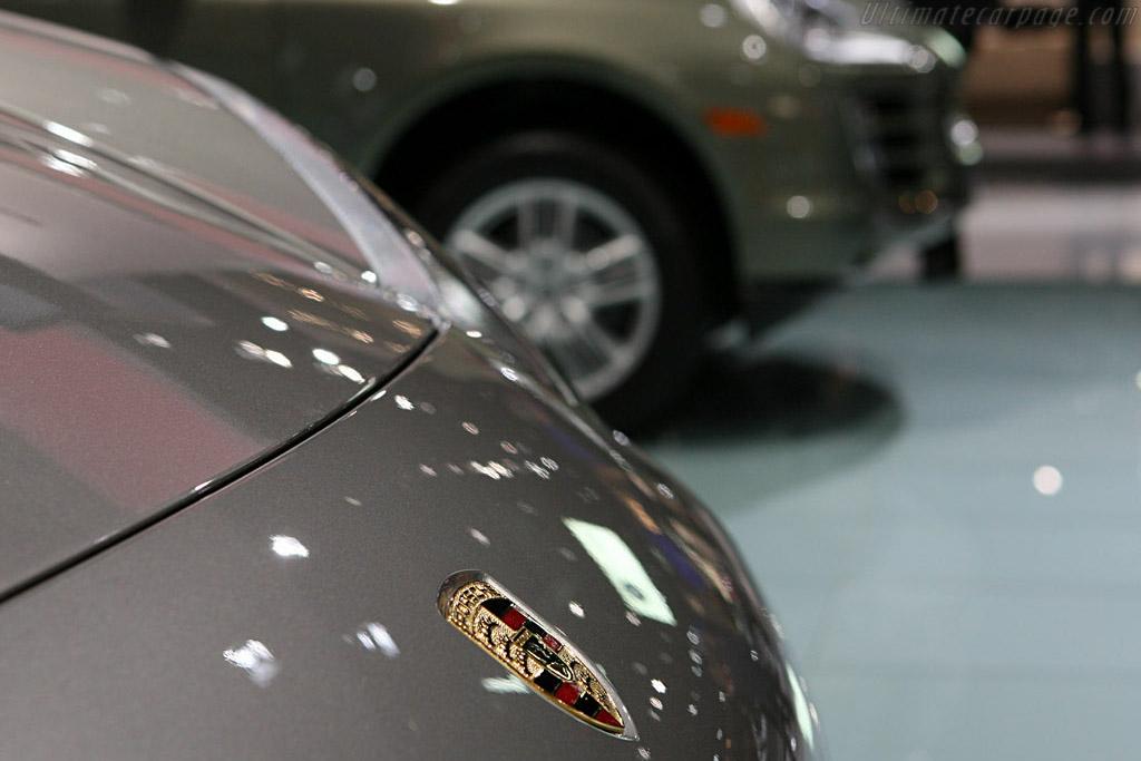 Porsche Cayenne    - 2007 North American International Auto Show (NAIAS)