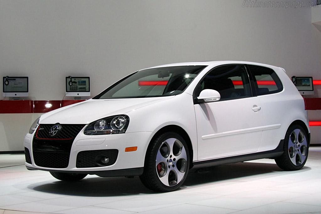 Volkswagen Golf GTi    - 2008 North American International Auto Show (NAIAS)