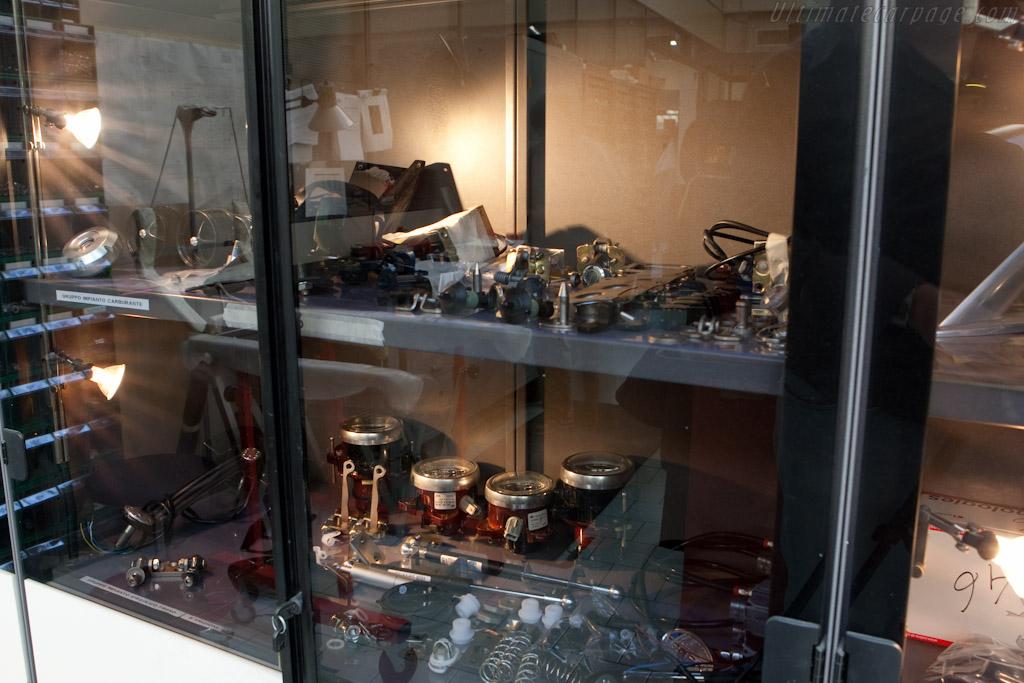 Interior components    - Horacio Pagani and his dream in carbon-fibre