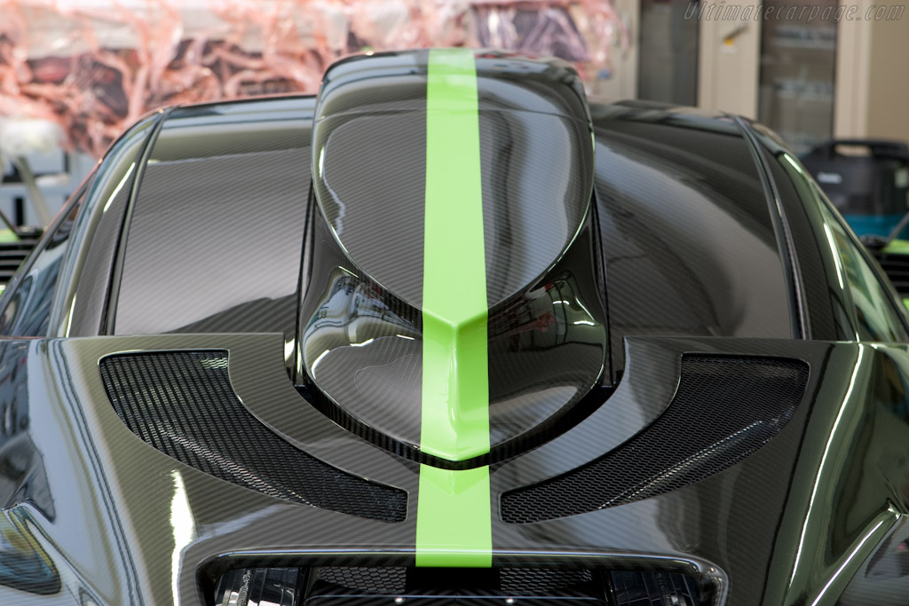 Note the carbon weave pattern   - Horacio Pagani and his dream in carbon-fibre