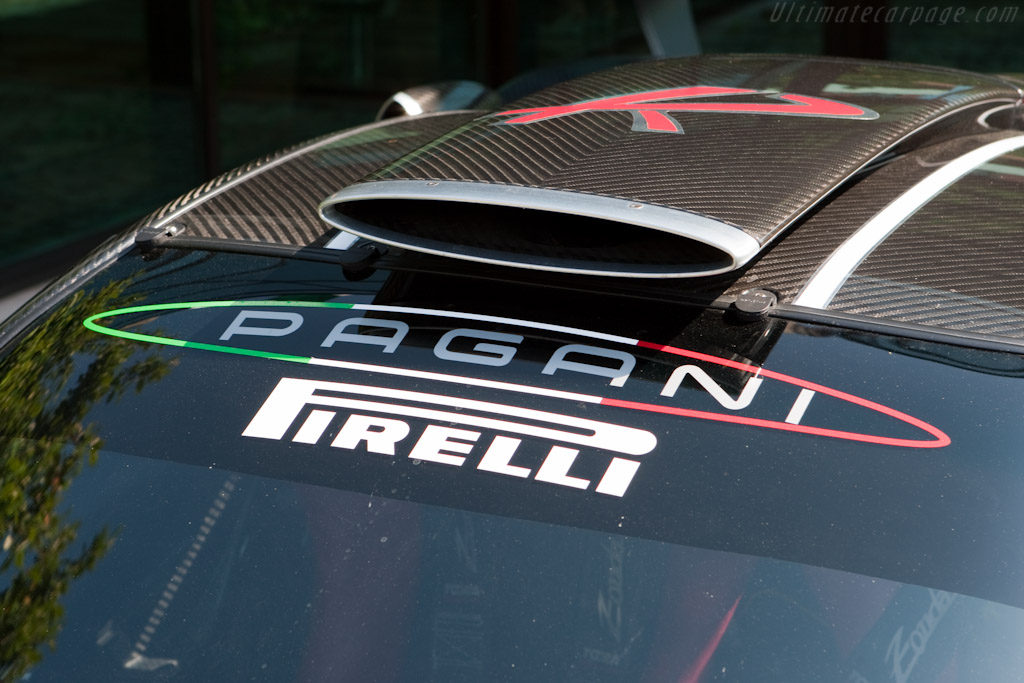 Welcome to Pagani    - Horacio Pagani and his dream in carbon-fibre