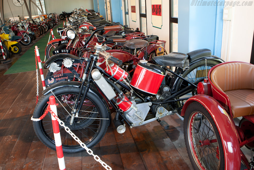 Motorcycles   - Panini Maserati Collection