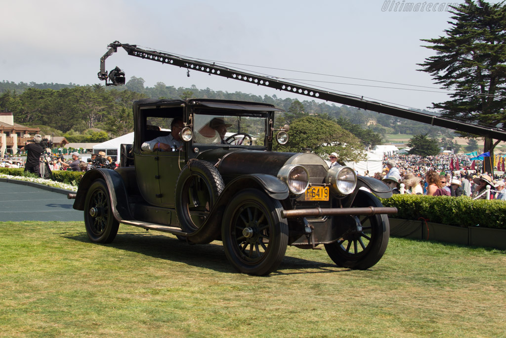 Locomobile Model 38 Collapsible Cabriolet  - Entrant: Mike Guffey  - 2017 Pebble Beach Concours d'Elegance
