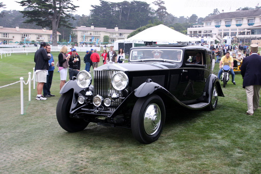 Arriving on the field    - 2009 Pebble Beach Concours d'Elegance