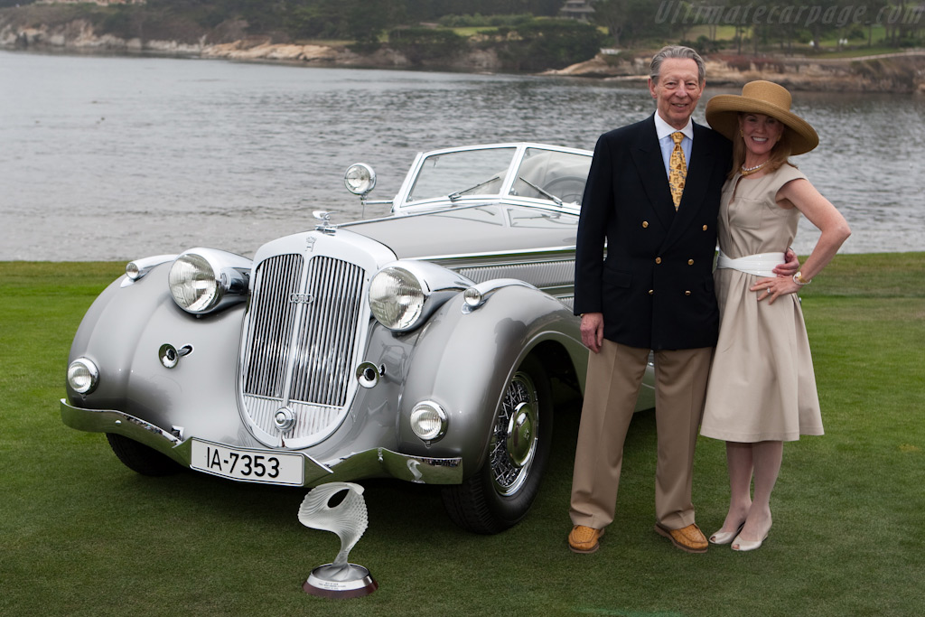 Winning Couple    - 2009 Pebble Beach Concours d'Elegance