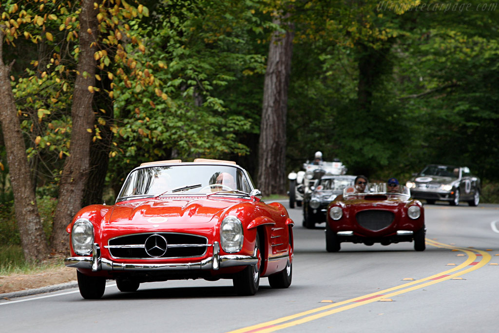 Sir Stirling Moss leads the pack    - 2007 Pebble Beach Concours d'Elegance