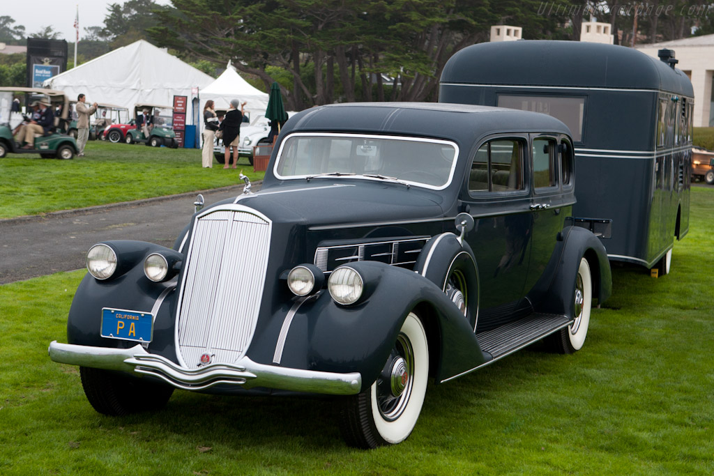 Pierce-Arrow 1702 Limousine with Travelodge    - 2010 Pebble Beach Concours d'Elegance