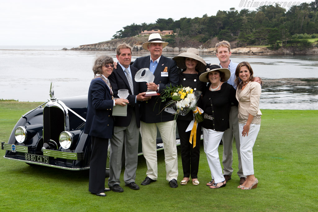 Peter and Merle Mullin with Crew    - 2011 Pebble Beach Concours d'Elegance