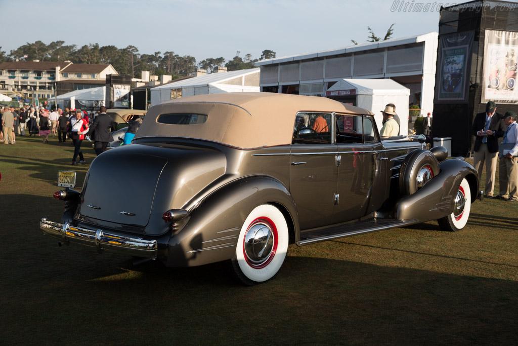 Cadillac 90 Fleetwood Convertible Sedan  - Entrant: Dave & Linda Kane  - 2015 Pebble Beach Concours d'Elegance