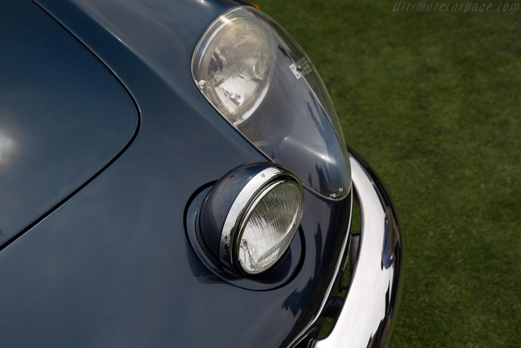 Ferrari 365 California Pininfarina Convertible - Chassis: 09985 - Entrant: Gerry McManus  - 2016 Pebble Beach Concours d'Elegance