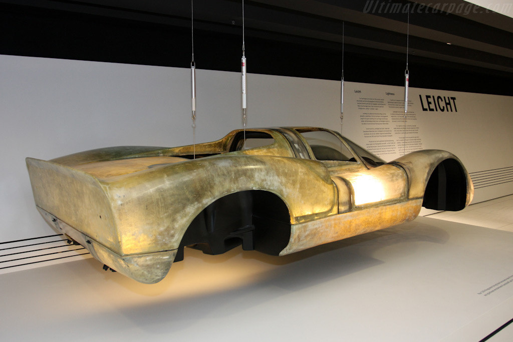 Porsche 908 Coupe body weighs just 130 kg    - Porsche Museum Visit