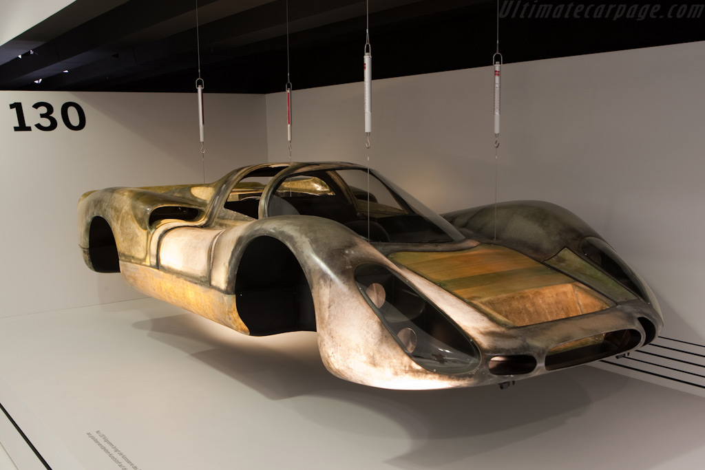 Porsche 908 Coupe body weighs just 130 kg    - Porsche Museum Visit