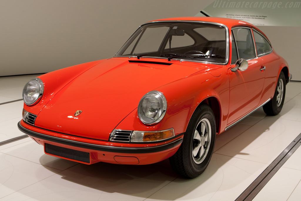 Porsche 911 'Typ 915'    - Porsche Museum Visit