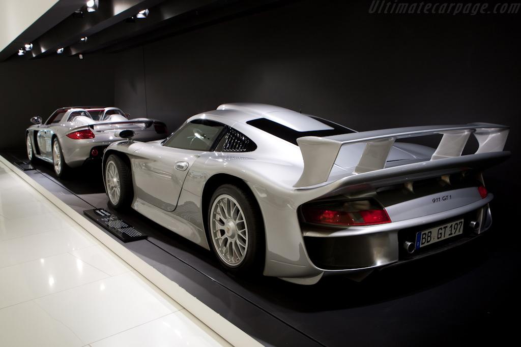 Porsche 911 GT1 'Strassenversion'    - Porsche Museum Visit