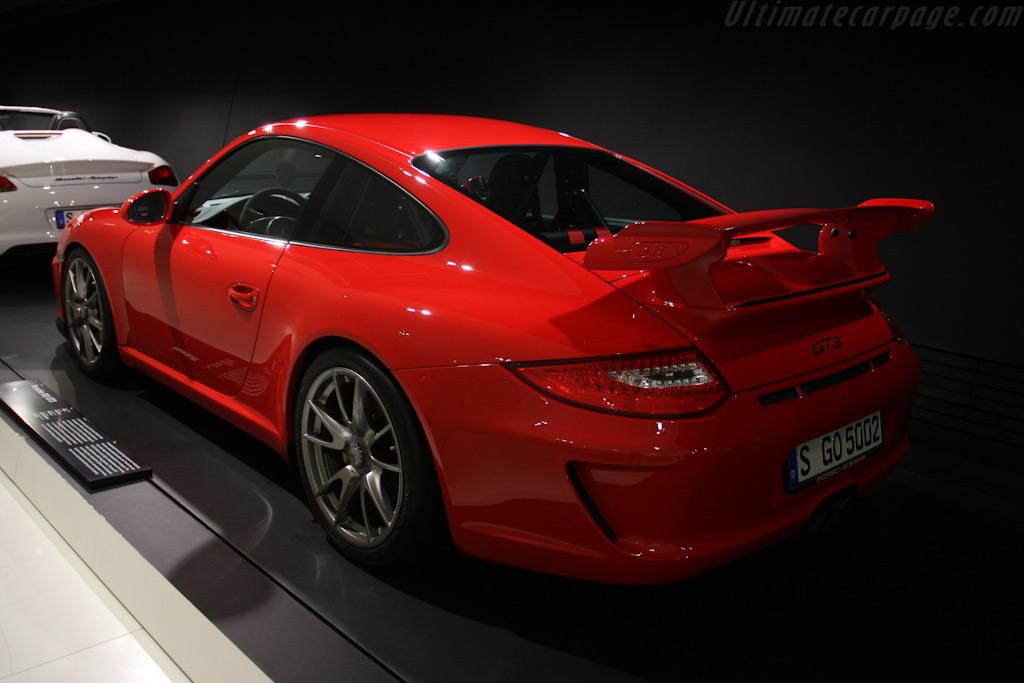 Porsche 911 GT3    - Porsche Museum Visit