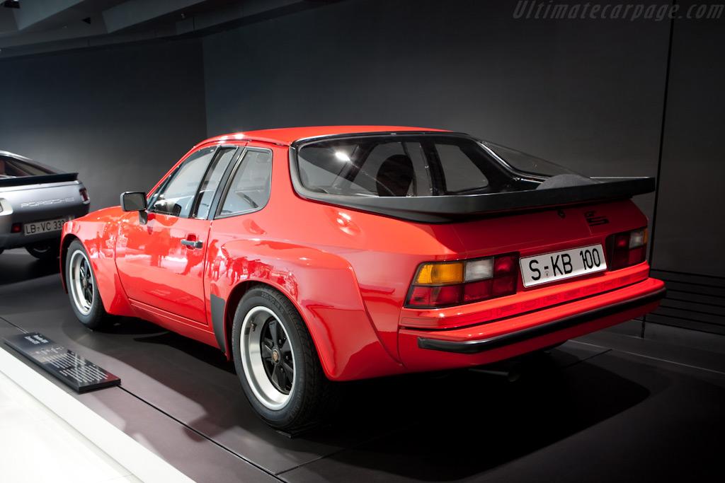 Porsche 924 Carrera GTS    - Porsche Museum Visit