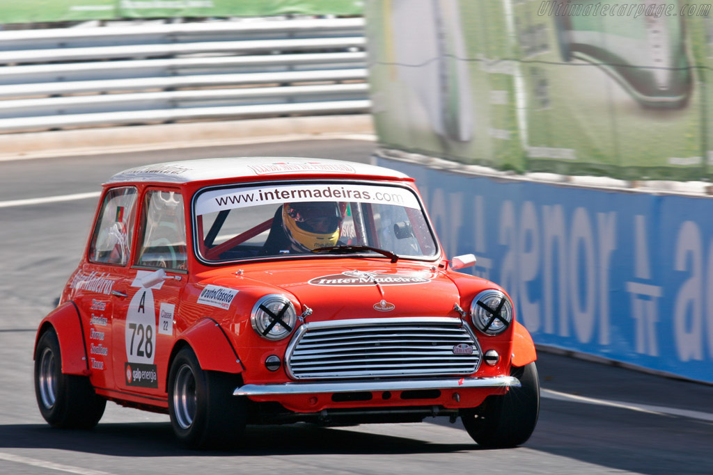 austin mini cooper s 2007 porto historic grand prix. Black Bedroom Furniture Sets. Home Design Ideas