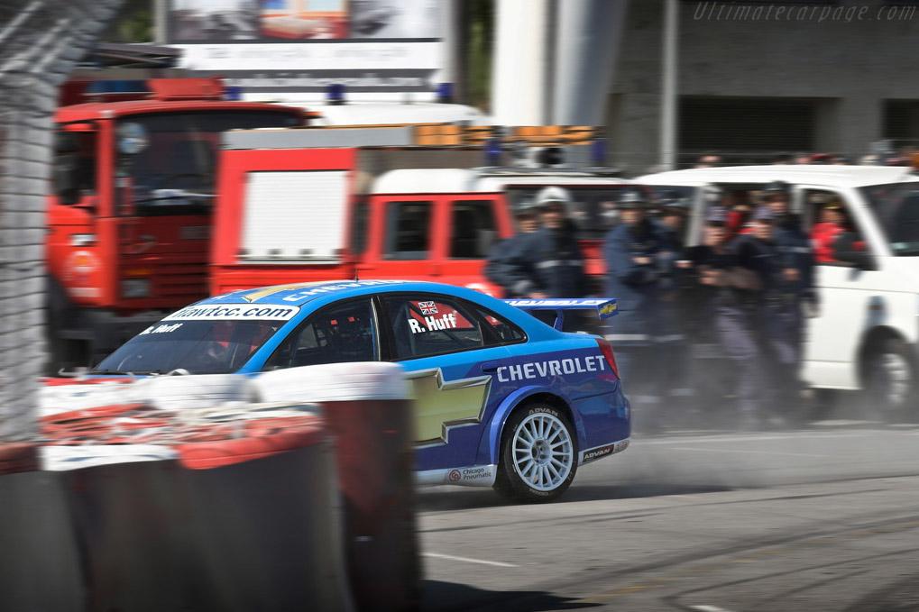 Huff takes the wrong way    - 2007 WTCC - Circuito da Boavista