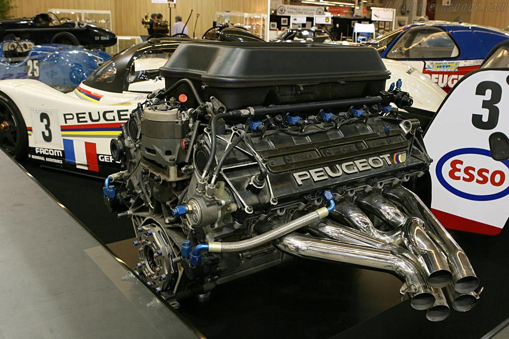 Peugeot 905 chassis ev12 2007 retromobile for Garage peugeot le mans