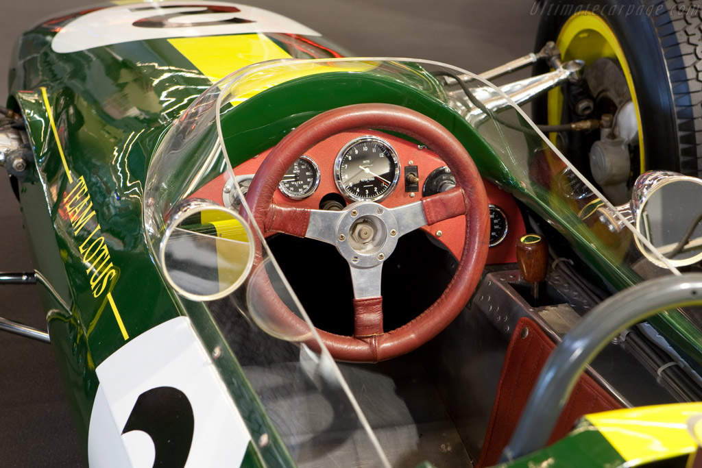 Lotus 33 Climax - Chassis: R13   - 2009 Retromobile