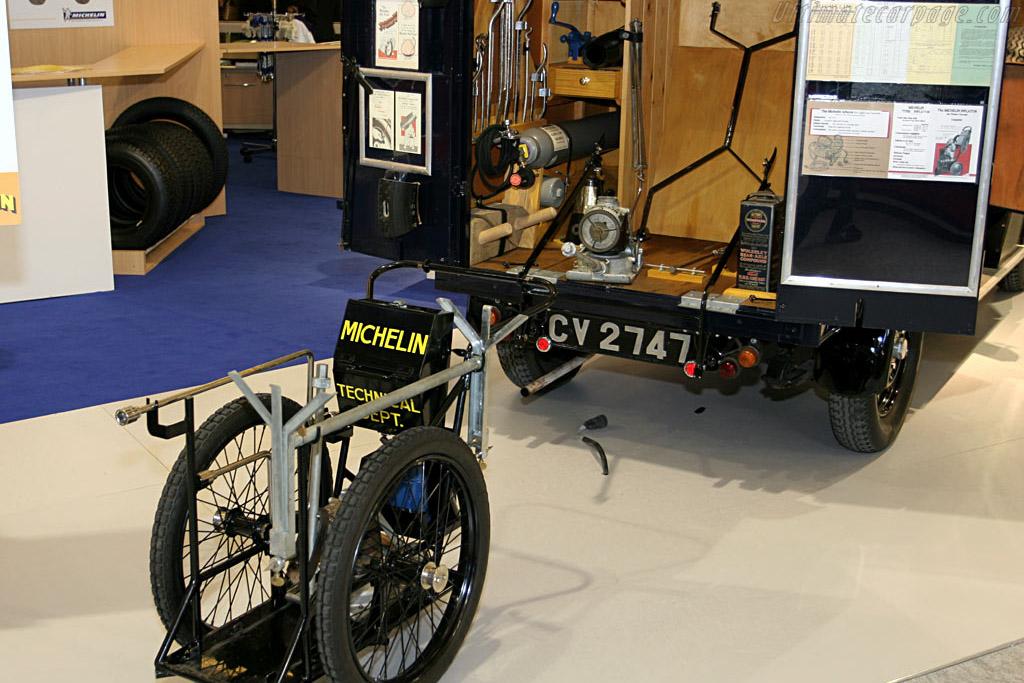 1930s Michelin Truck Replica    - 2006 Retromobile