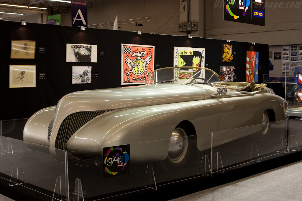 Arzens La Baleine    - 2010 Retromobile