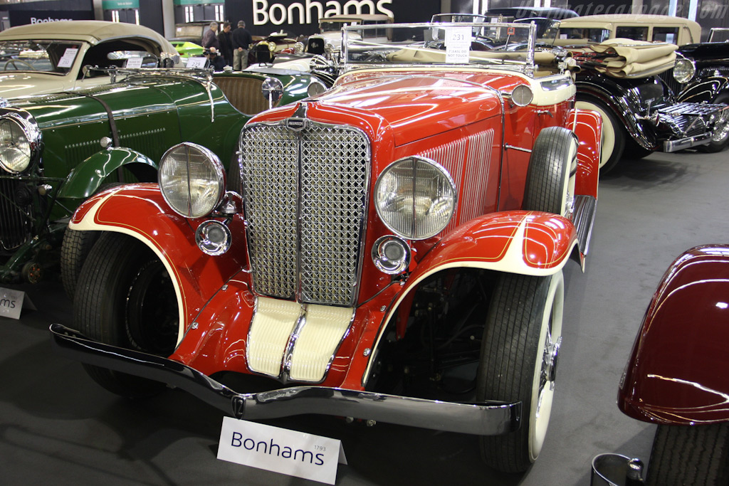Auburn 12-161 Convertible Roadster    - 2010 Retromobile