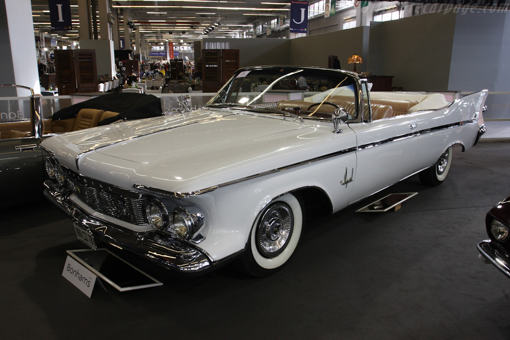 Imperial Crown Convertible    - 2010 Retromobile