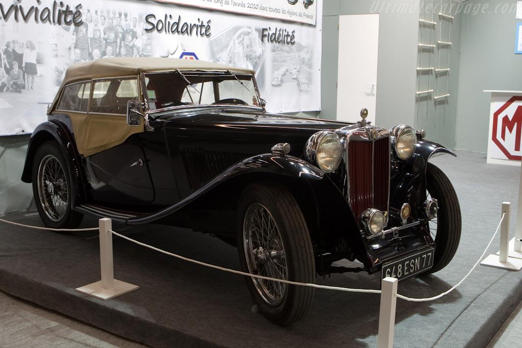 MG    - 2010 Retromobile
