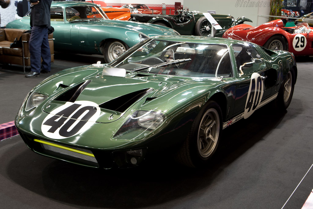Ford GT40 - Chassis: GT40P/1009 - Entrant: Fiskens  - 2011 Retromobile