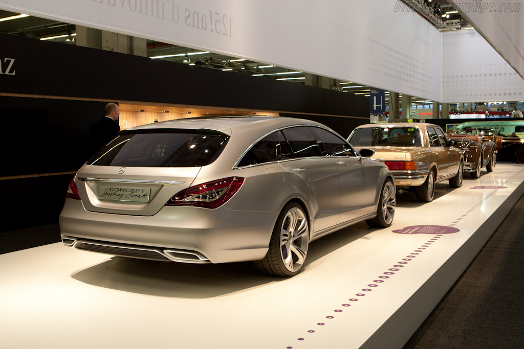 Mercedes-Benz Shooting Brake Concept    - 2011 Retromobile