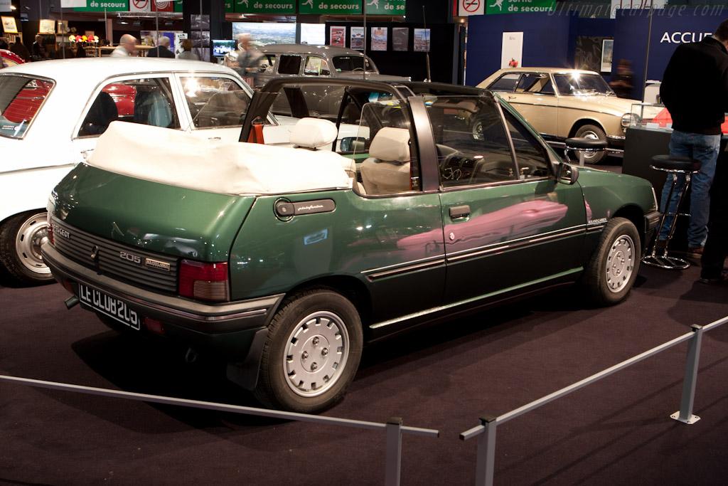 Peugeot 205 Cabriolet    - 2012 Retromobile